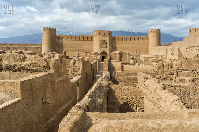 Ruins, towers and walls of Rayen Citadel, biggest adobe building in the world, Rayen, Kerman Province, Iran, Middle East