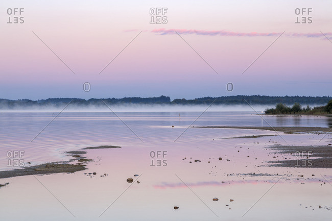 Morning mood at lake Chiemsee in Seebruck, Chiemgau, Upper Bavaria, Bavaria, Southern Germany, Germany, Europe