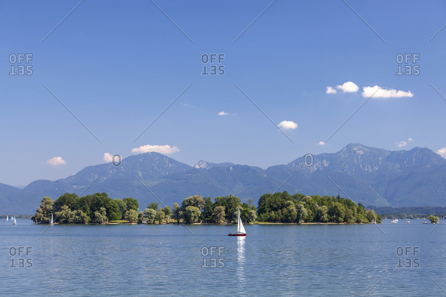 View over the Chiemsee on Fraueninsel and Chiemgau Alps, Chiemgau, Upper Bavaria, Bavaria, southern Germany, Germany, Europe