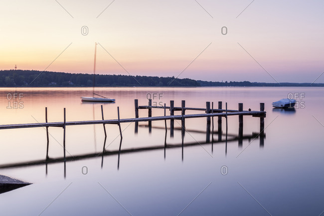 Sunset on the Chiemsee and the Chiemgau Alps, view from the Fraueninsel, Frauenchiemsee, Chiemgau, Upper Bavaria, Bavaria, southern Germany, Germany, Europe