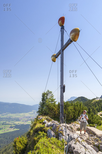 Summit cross on the summit Vorderer Rauschberg, Ruhpolding, Chiemgau Alps, Chiemgau, Upper Bavaria, Bavaria, Southern Germany, Germany, Europe