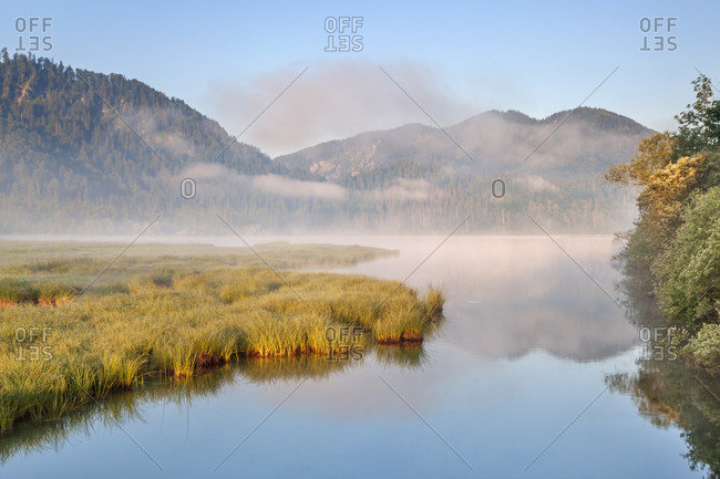 Sunrise in the morning mist at the Weitsee between Ruhpolding and Reit im Winkl, Chiemgau Alps, Chiemgau, Upper Bavaria, Bavaria, southern Germany, Germany, Europe
