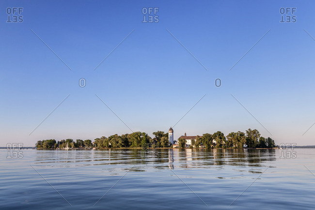 View of the Fraueninsel with Kloster Frauenworth, Frauenchiemsee, Chiemsee, Chiemgau, Upper Bavaria, Bavaria, southern Germany, Germany, Europe