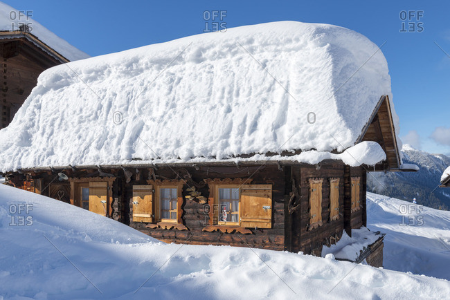 Austria, Montafon, St. Gallenkirch, snow-covered ski hut in the alpine village Garfrescha.
