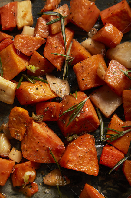 Baked Sweet Potatoes with Thyme and Seasoning
