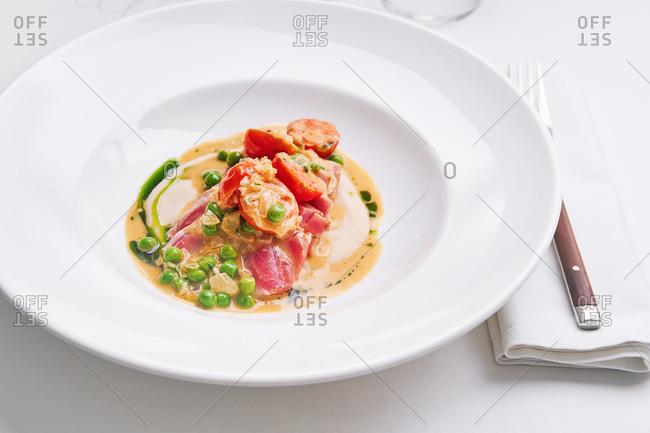 Gourmet tuna and veggie dish