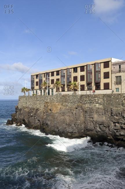 November 19, 2010: Apartments on a cliff, Paseo de la Canteras, Las Palmas de Gran Canaria, Gran Canaria, Canary Islands, Spain