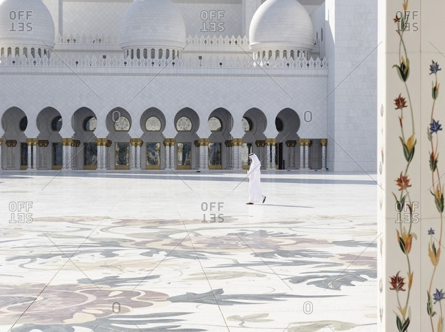 November 30, 2010: Inner courtyard of the Sheikh Zayed Bin Sultan Al Nahyan Mosque, Emirate of Abu Dhabi, United Arab Emirates, Middle East, Asia