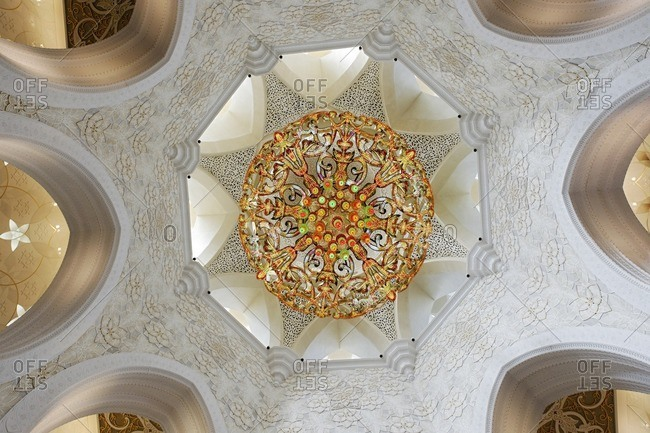 Chandelier in the Hall of Prayer of the Sheikh Zayed Bin Sultan Al Nahyan Mosque, Emirate of Abu Dhabi, United Arab Emirates, Middle East, Asia