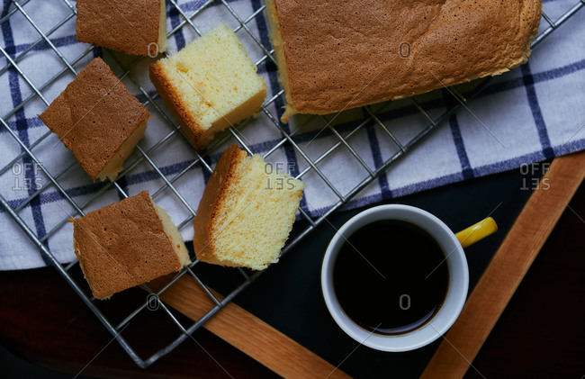 Black coffee with slides sponge cake
