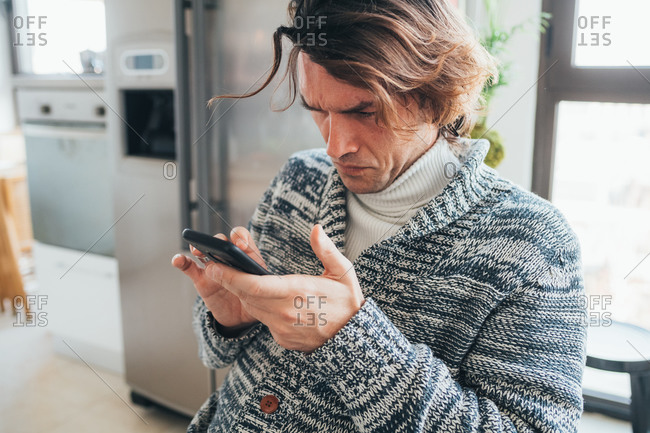 Man using smartphone - Offset Collection