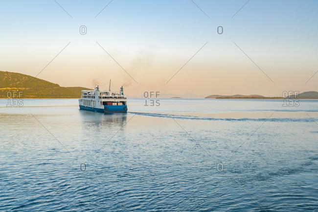 Ferry leaving harbor, Igoumen�tsa, Thesprotia, Greece