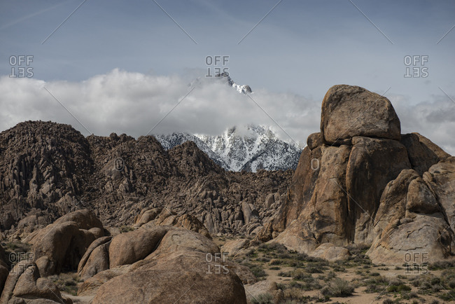 Desert Boulders in the Alabama Hills in front of contiguous Amer