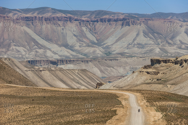 A road on the way to Band-e Amir