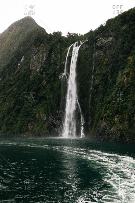 Stirling Falls in Milford Sound , New Zealand