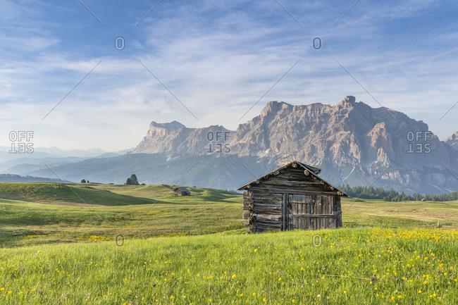 Mountain hut on Piz Sorega, view of the Rosskopf, Dolomites, Italy