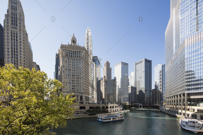 September 25, 2017:  - September 25, 2017: USA- Illinois- Chicago- Chicago River- Trump Tower and Wyndham Grand Chicago Riverfront