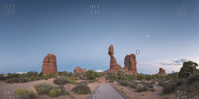 USA- Utah- Arches National Park- view to Balanced Rock at twilight