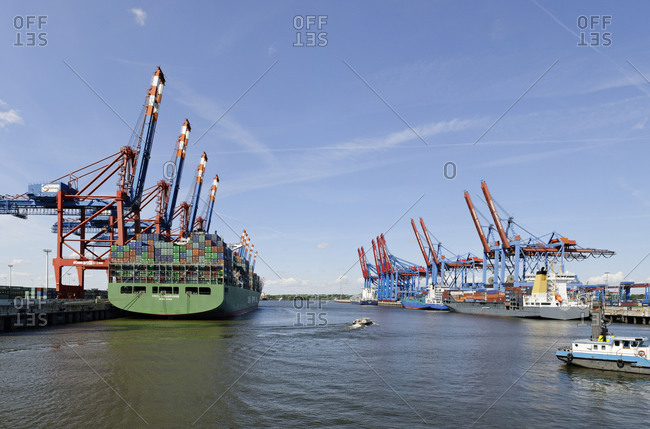 May 1, 2011: Container ship at the Eurokai Container Terminal, Hamburg, Germany