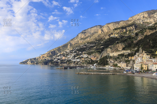 Town, sea and hills in sunshine, Amalfi, Costiera Amalfitana (Amalfi Coast), UNESCO World Heritage Site, Campania, Italy, Europe