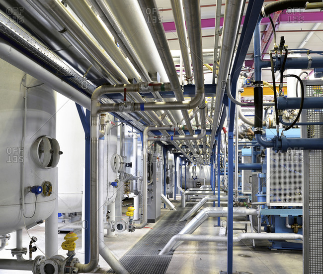 Pipeworks in industrial hall - Offset