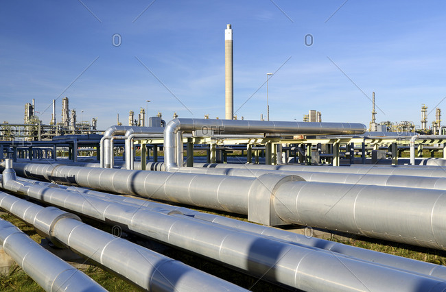 Germany- chemical industry- pipes in oil refinery