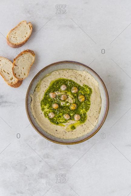Pesto hummus ready to eat