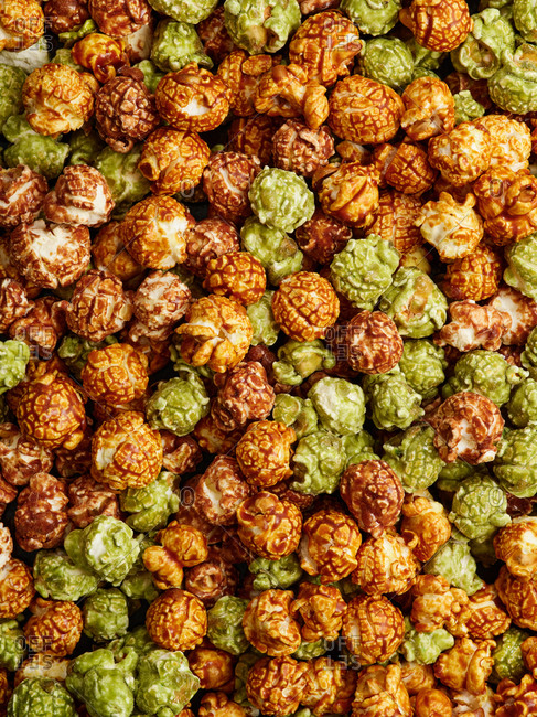 Mixed flavors of glazed popcorn (apple, caramel and chocolate)