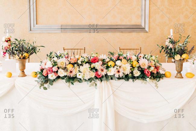 Italian style flower decoration wedding setup