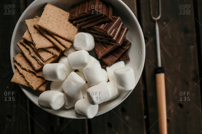 marshmallow, graham crackers and chocolate s'mores fixings