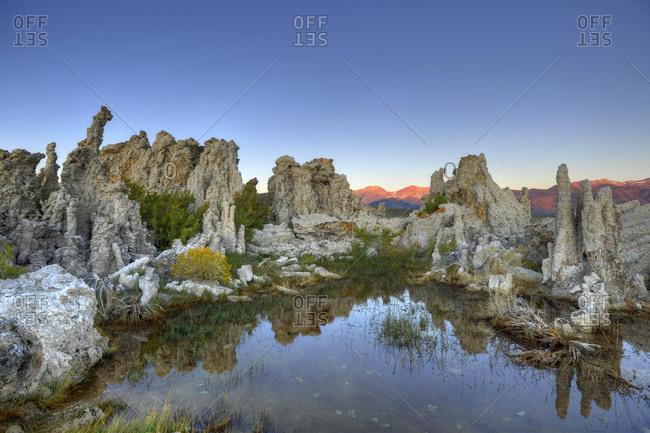 Dawn, sunrise, tufa rock formations, South Tufa Area, Mono Lake, a saline lake, Mono Basin and Range region, Sierra Nevada, California, United States of America, USA, North America