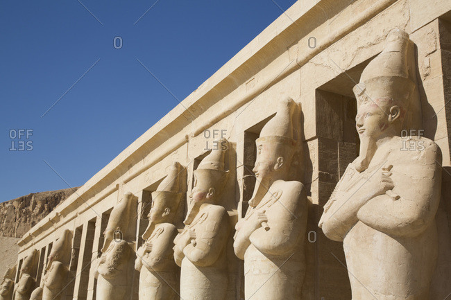 Statues of Queen Hatshepsut, Hatshepsut Mortuary Temple (Deir el-Bahri), UNESCO World Heritage Site, Luxor, Thebes, Egypt, North Africa, Africa