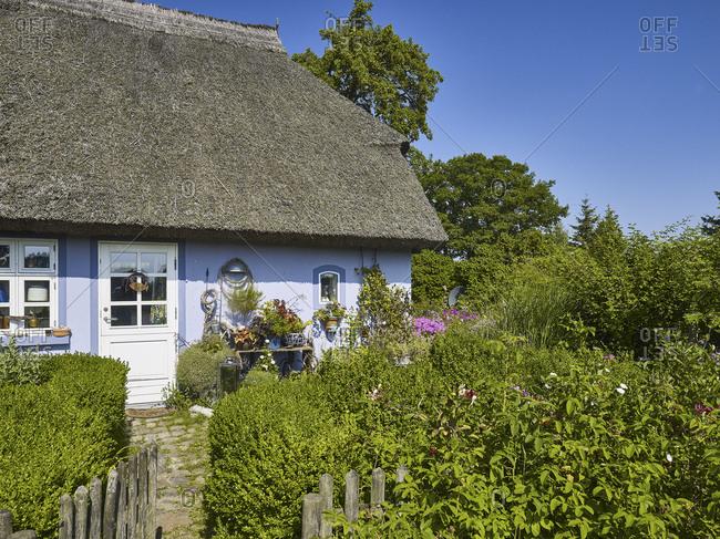 Thatched cottage in Quilitz in Lieper Winkel, Usedom, Mecklenburg-Vorpommern, Germany