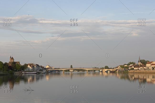 Saint-Jean-de-Losne, Canal de Bourgogne, Burgundy, France