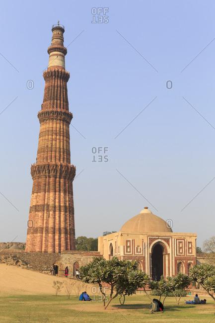Victory Column Qutb Minar and Qutb Complex, Delhi, India Tower Qutb Minar and Qutb Complex, Delhi, India
