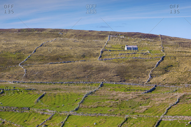 Ireland, Co. Donegal, Arranmore island, traditional house on farm