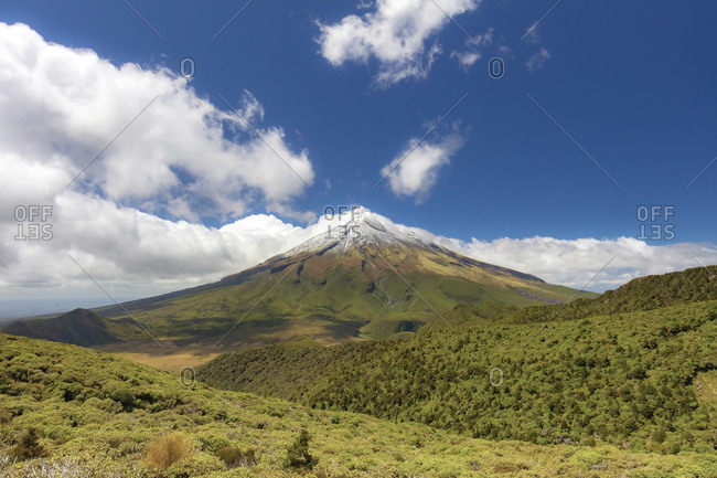 View of the Taranaki volcano in New Zealand northern island on a sunny day