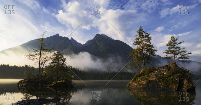 Hochkaltermassiv and Hintersee in morning light, Hintersee, Berchtesgadener Land, Bavaria, Germany