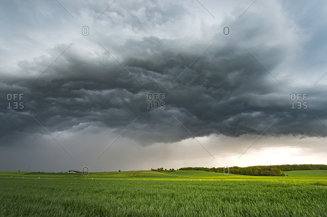 Turbulent clouds (Whale's Mouth) under Shelfcloud near Lich, Mittelhessen, Germany