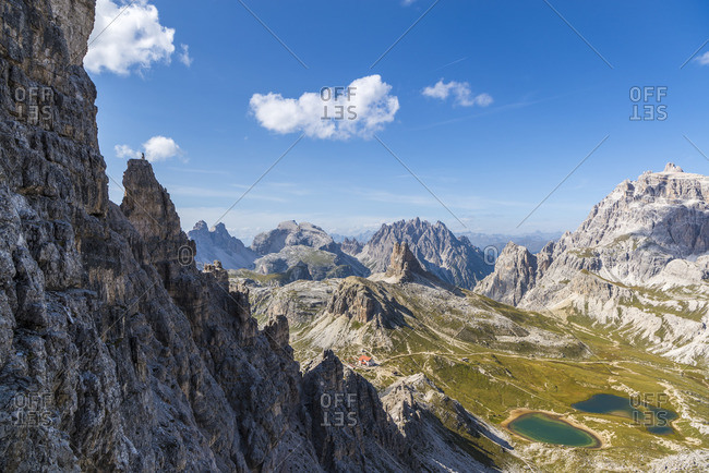 Via ferrata Paternkofel, view of Toblinger knot, Drei Zinnen hut, nature park Drei Zinnen, Dolomites, South Tyrol, Italy