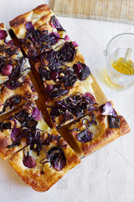 Focaccia with grapes and caramelized onions