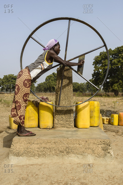 December 10, 2015: manual water pumping, Burkina Faso
