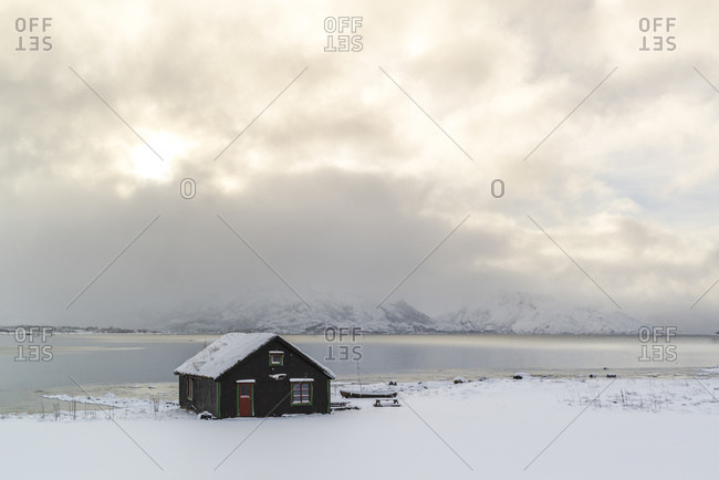 Fishing hut at the Eidsfjord on Sortland, Vesteralen, Norway