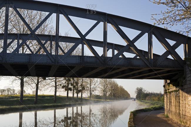 Morning fog on the Canal de Bourgogne, Saint-Jean-de-Losne, Burgundy, France