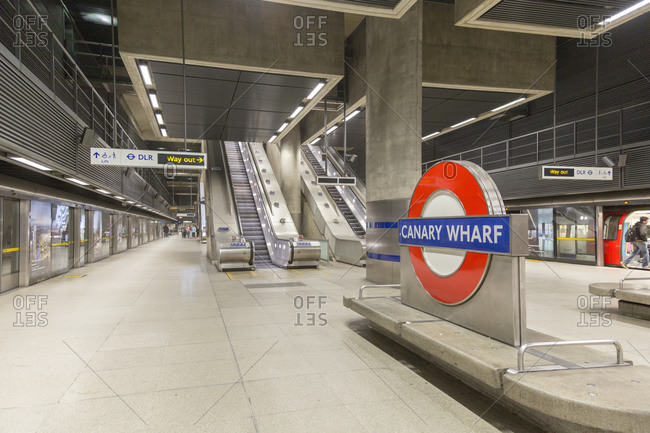 September 13, 2015: Canary Wharf Underground Station, London, United Kingdom