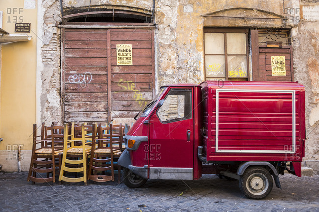 August 1, 2016: Street scene, Ape, Trastevere neighborhood, Rome, Lazio, Italy
