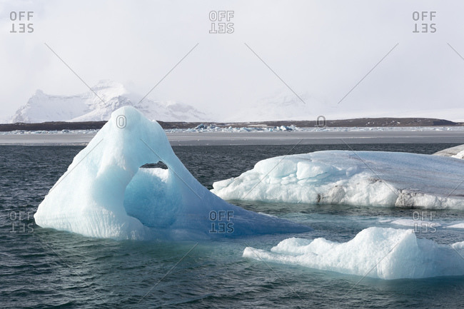 Lake Jokulsarlon, the best known and largest glacial lake in Iceland