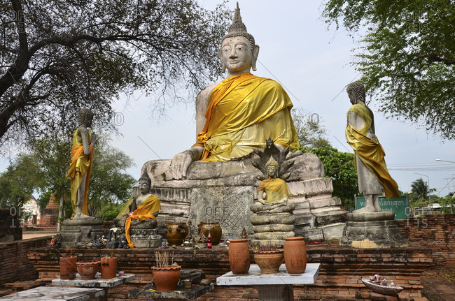 March 25, 2010: Wat Wora Pho temple complex, Ayutthaya, old royal city, Thailand, Southeast Asia