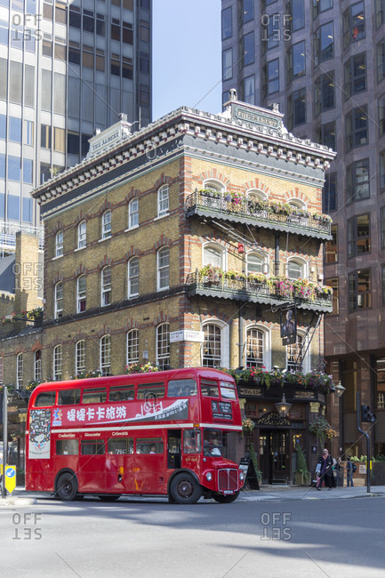 September 10, 2015: The Albert Pub and Routemaster, Victoria Street, City of Westminster, London, United Kingdom