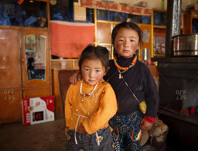 October 8, 2011: Tibetan kids get along very well with each other. From a very early age they learn that staying together and looking after each other is a very important value in life. Remote Tibetan plateau